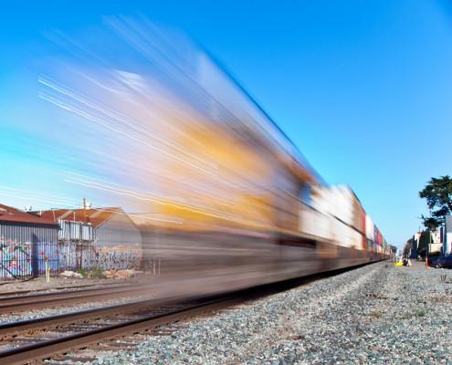 treno in movimento - foto di jar() su flickr